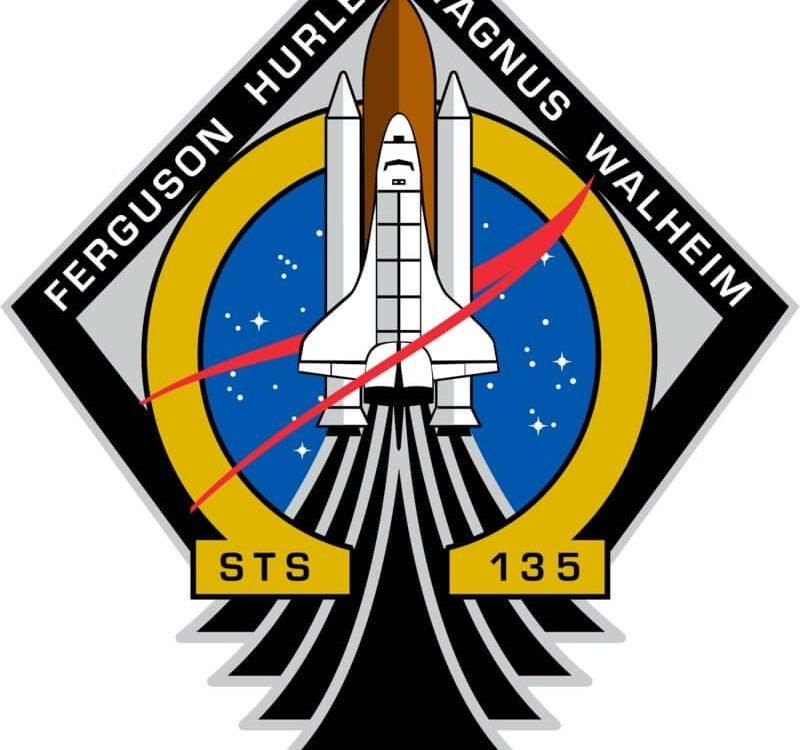 ônibus espacial sts 135